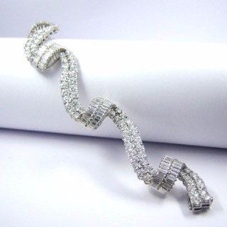 An important vintage diamond 'ribbon' bracelet