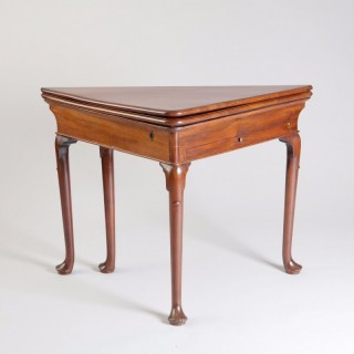 GEORGE II MAHOGANY ENVELOPE WRITING TABLE