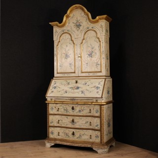 20th Century Venetian Lacquered And Gilded Trumeau