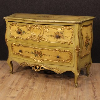 20th Century Venetian Lacquered And Gilt Dresser