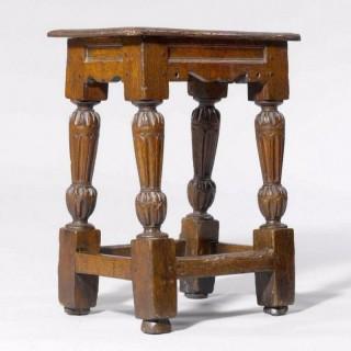 Elizabethan stool