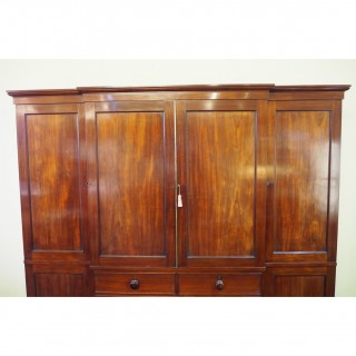 FINE GILLOWS MAHOGANY BREAKFRONT WARDROBE