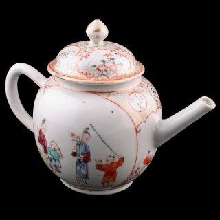 18th Century Chinese Porcelain Tea Pot