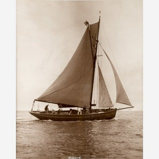 Early silver gelatin photographic print by Beken of Cowes - Yacht Senorita