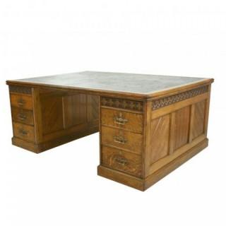 Arts & Crafts Kneehole Partner's Desk