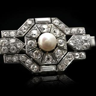 Boucheron Paris pearl and diamond brooch, French, circa 1920.