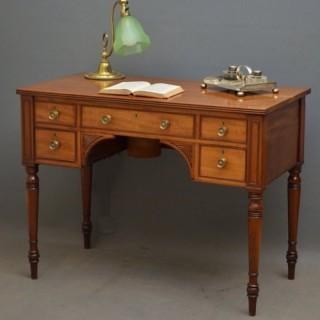 Fine Regency Mahogany Writing Table