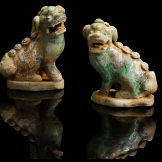 A pair of Kangxi period dogs