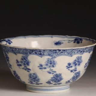 Chinese Kangxi blue and white bowl
