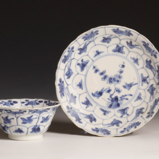 Kangxi small tea bowl with matching saucer