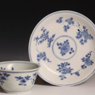Kangxi blue and white tea bowl with saucer