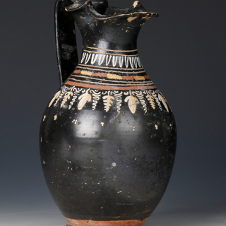 Fine gnathian oinochoe with stylised vine