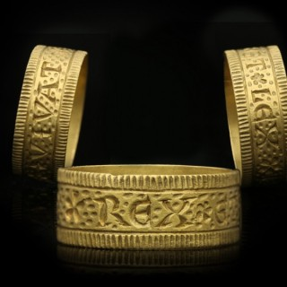 Post Medieval Sergeant-at-Law ring 'Long Live the King and the Law', circa 17th century