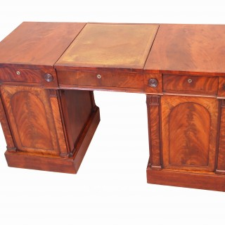 Antique Fine Quality Regency Mahogany Pedestal Desk