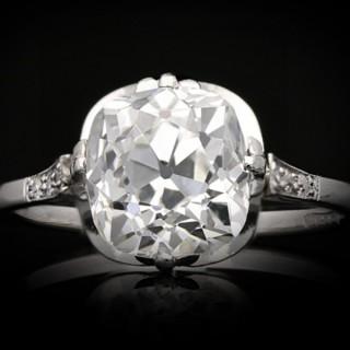 Antique old mine diamond solitaire ring, English, circa 1910.