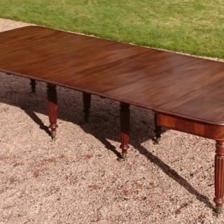 19th Century Regency / George IV Period Mahogany Antiqe Dining Table On Reeded Legs