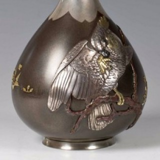 A DELIGHTFUL JAPANESE SILVER AND SHIBUICHI COCKATIEL VASE