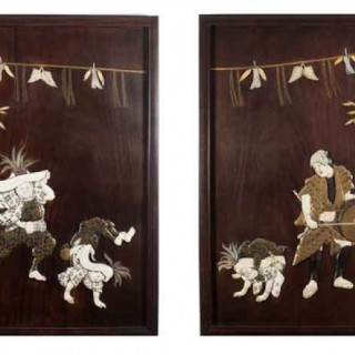 FINE PAIR OF HUMEROUS JAPANESE SHIBAYAMA AND LACQUER HARDWOOD PANELS