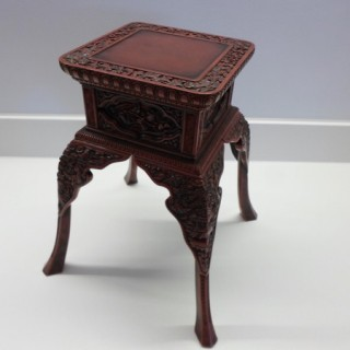 FANTASTIC QUALITY CHINESE CINNABAR LACQUER DISPLAY STAND