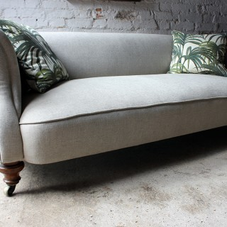 A Very Good Quality Late Victorian Linen Upholstered Walnut Chesterfield Sofa Attributed to Holland & Sons c.1890
