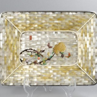 UNUSUAL JAPANESE SHIBAYAMA AND MOTHER OF PEARL TRAY