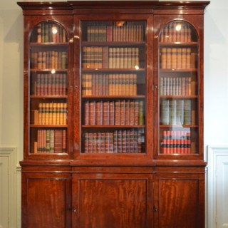 Fine Quality Early Victorian Mahogany Bookcase