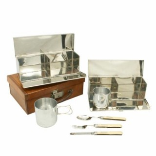 Picnic Set in Leather.
