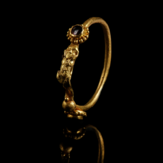 Exquisite Greek Gold Ring with Garnets