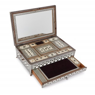 Anglo Indian Vizagapatam ivory antique sewing box
