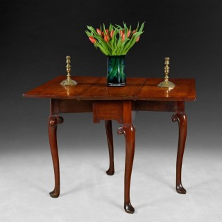 Mid 18th. century  mahogany drop-leaf table