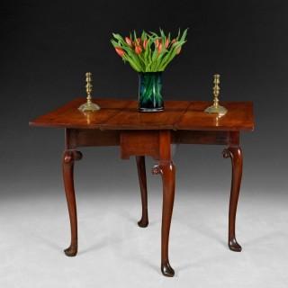 Mid 18th. century  mahogany drop-leaf table