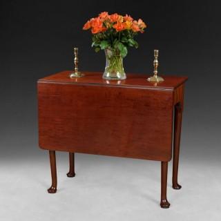 George II Period Mahogany single drop leaf side table