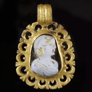 Roman Gold Pendant with Empress Cameo