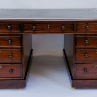 English Antique William 1V Mahogany Partners Desk