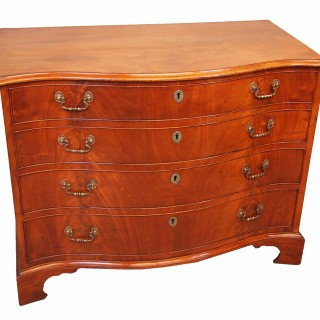 Antique Georgian Mahogany Serpentine Chest Of Drawers