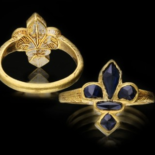 Post medieval sapphire fleur-de-lis ring, circa 16th century.