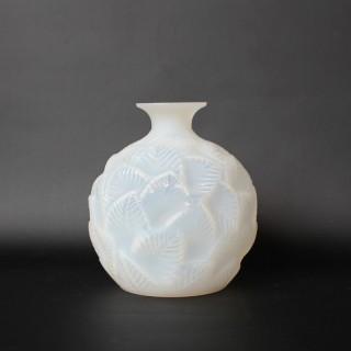 Ormeaux Vase
