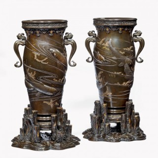 A pair of exhibition quality Meiji period bronze vases