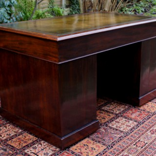 Antique George 111 Mahogany Pedestal Desk