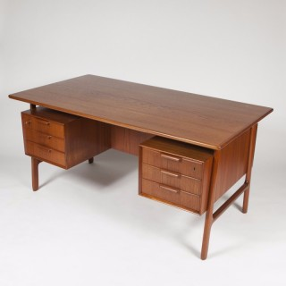 TEAK DESK BY GUNNI OMANN