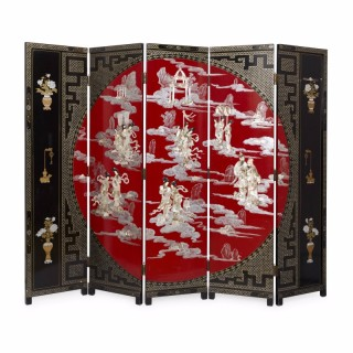 Red and black Chinese  folding screen in lacquer and mother-of-pearl