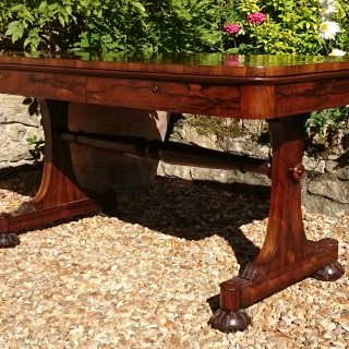 Important 19th Century Rosewood Library Table / Sofa Table