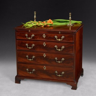 Chippendale period Mahogany straight fronted Chest of Drawers