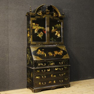 20th Century English Lacquered, Gilt, Painted Chinoiserie Trumeau