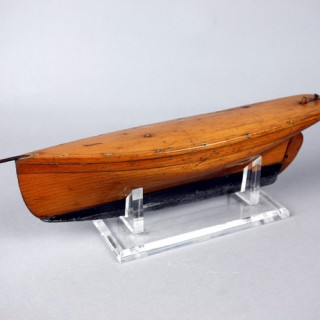Small early pond yacht model of gaff yacht