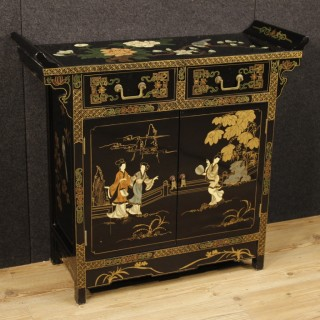 20th Century Chinese Sideboard In Lacquered And Painted Wood