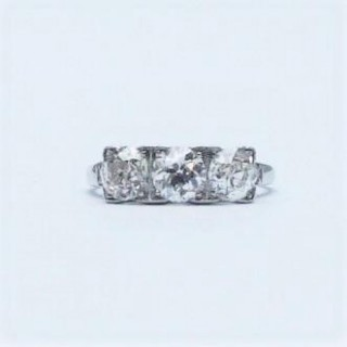 Vintage Three Stone Diamond Ring.