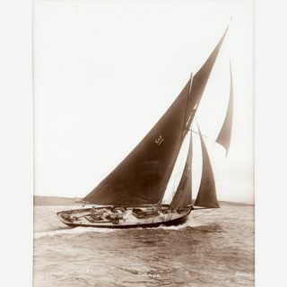 Early silver gelatin photographic print by Beken of Cowes - Yacht Zoraida