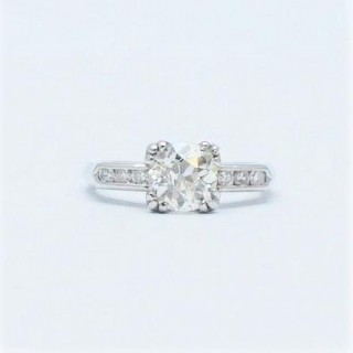 1.25 Carat Diamond Solitaire Platinum Engagement Ring