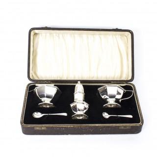 Antique Art Deco English Cased Silver Condiment Set 1932